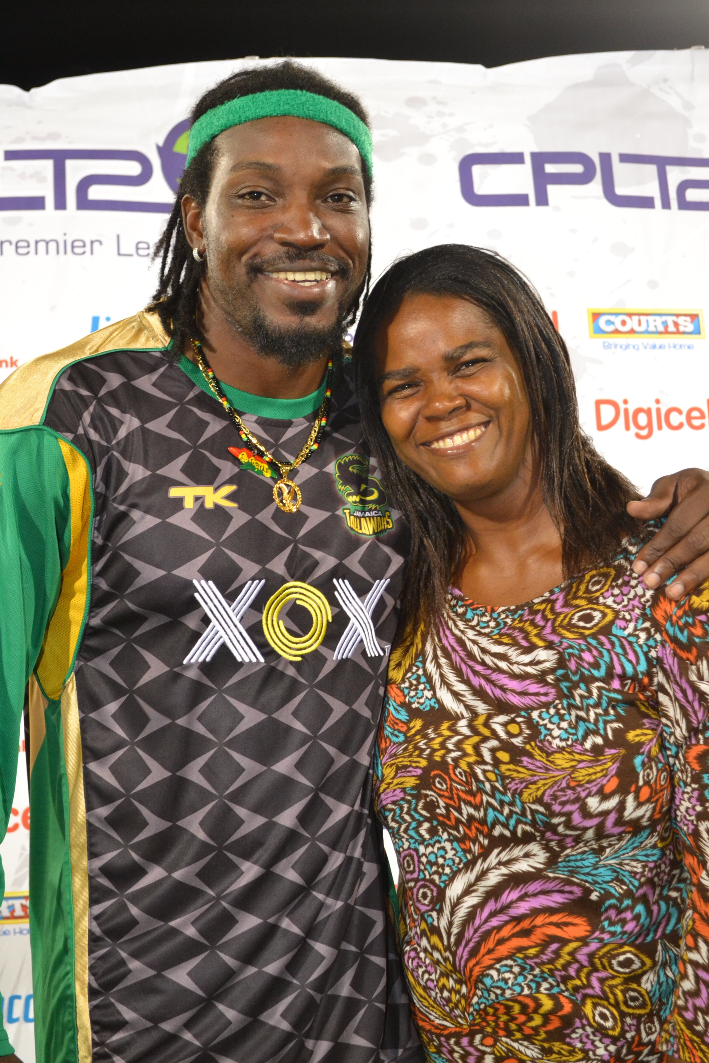 Magdalen sharing a special moment with cricketer Chris Gayle after the presentation of the award.