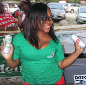 You know its summer when…Heineken brings out the DJ's, cold beers and cute chicks!