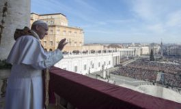 Pope Francis calls in Christmas message for unity against militant atrocities